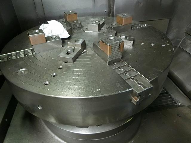 UM010-NC立旋盤