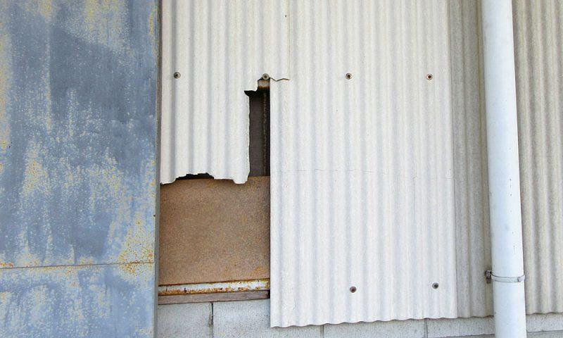 RP045-倉庫壁材の修繕